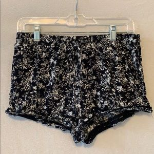 Tilly's loose shorts
